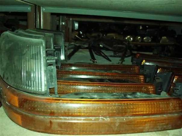 Chrysler Voyager Přední blikač, foto 1 Náhradní díly a příslušenství, Osobní vozy | spěcháto.cz - bazar, inzerce zdarma
