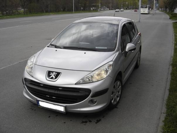Peugeot 207 1.6 SW HDi Panorama - KLIMA,SERVISKA, foto 1 Auto – moto , Automobily | spěcháto.cz - bazar, inzerce zdarma