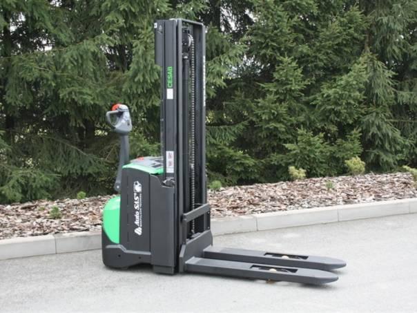 S 212 (PS1102), foto 1 Pracovní a zemědělské stroje, Vysokozdvižné vozíky | spěcháto.cz - bazar, inzerce zdarma