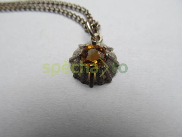 Stříbrný přívěsek se žlutým kamenem i s řetízkem, foto 1 Modní doplňky, Šperky a bižuterie | spěcháto.cz - bazar, inzerce zdarma