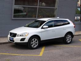 Volvo XC60 2.4 D AWD Geartronic Kinetic Navi