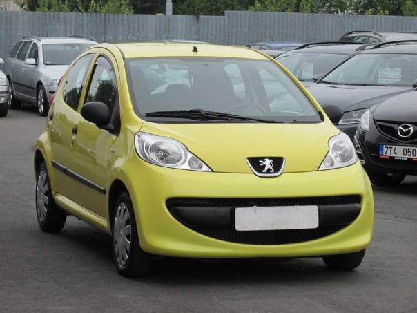 Peugeot 107  1.0, 1.maj,Serv.kniha,ČR, foto 1 Auto – moto , Automobily | spěcháto.cz - bazar, inzerce zdarma