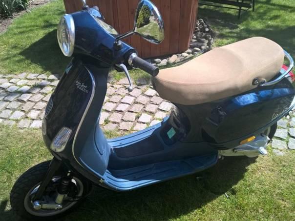 Piaggio Vespa 50 ccm, startuje jako hodinky, rarita, foto 1 Auto – moto , Motocykly a čtyřkolky | spěcháto.cz - bazar, inzerce zdarma