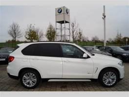 BMW X5 xDrive30d STAV NOVÉHO VOZU