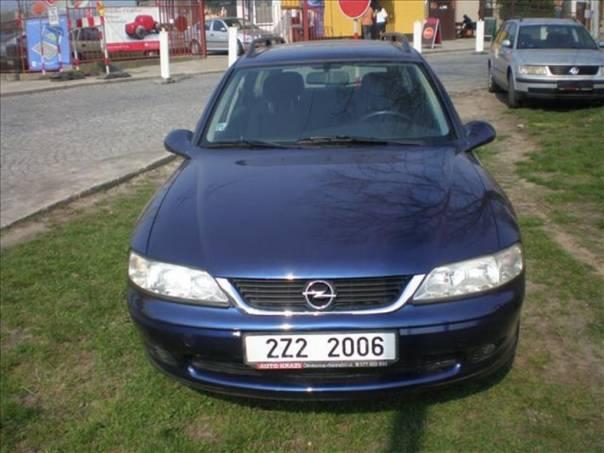 Opel Vectra 1.8 16 V  EDICE  100, foto 1 Auto – moto , Automobily | spěcháto.cz - bazar, inzerce zdarma