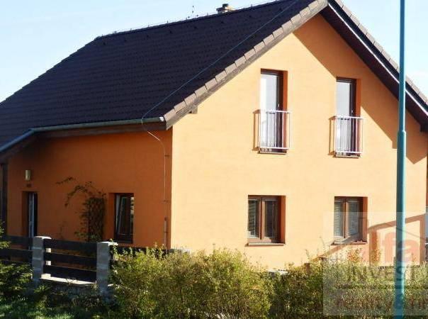 Prodej domu 5+kk, Bradlec, foto 1 Reality, Domy na prodej | spěcháto.cz - bazar, inzerce