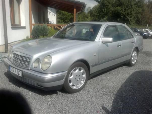 Mercedes-Benz Třída E 200 ELEGANCE KŮŽE, foto 1 Auto – moto , Automobily | spěcháto.cz - bazar, inzerce zdarma