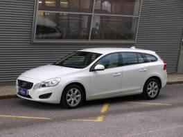 Volvo V60 D3 163k Geartronic Kinetic Pack , Auto – moto , Automobily  | spěcháto.cz - bazar, inzerce zdarma