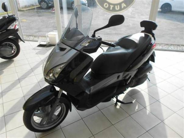 X-Max 125, foto 1 Auto – moto , Motocykly a čtyřkolky | spěcháto.cz - bazar, inzerce zdarma