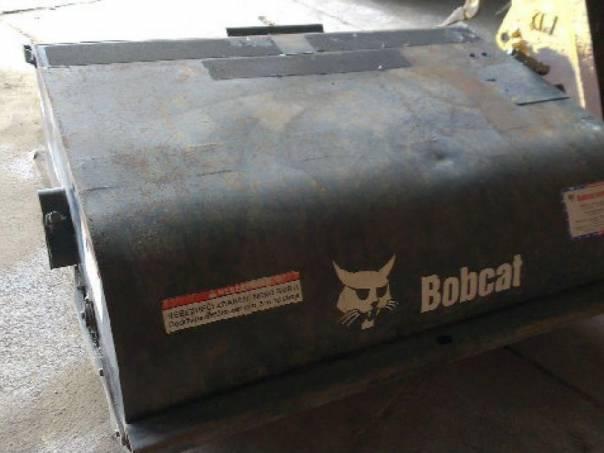 koště 1.52m Bobcat smeták, foto 1 Náhradní díly a příslušenství, Ostatní | spěcháto.cz - bazar, inzerce zdarma
