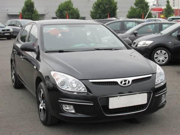 Hyundai i30  1.4 16V, Serv.kniha,ČR, foto 1 Auto – moto , Automobily | spěcháto.cz - bazar, inzerce zdarma