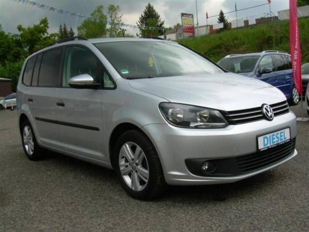 Volkswagen Touran 1,6 TDi - SERVISKA, Al kola TOPSTAV, foto 1 Auto – moto , Automobily | spěcháto.cz - bazar, inzerce zdarma