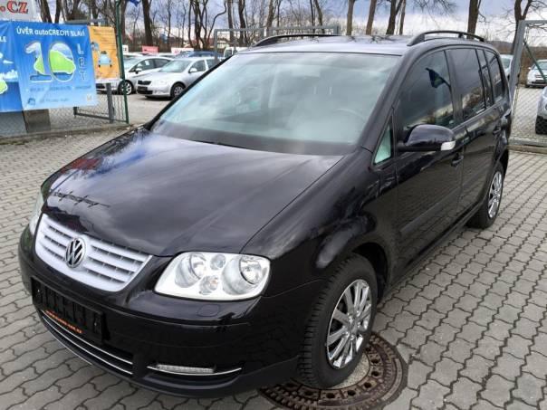 Volkswagen Touran 1.6i 6 rychlostí, 7 míst, foto 1 Auto – moto , Automobily | spěcháto.cz - bazar, inzerce zdarma