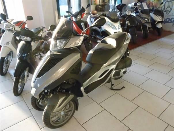 Piaggio MP3 MP3 300 Yourban-DPH-NOVÁ, foto 1 Auto – moto , Motocykly a čtyřkolky | spěcháto.cz - bazar, inzerce zdarma
