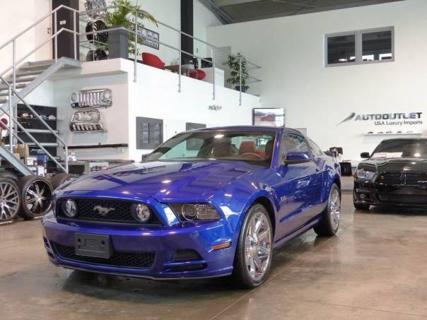 Ford Mustang GT Prem. 5.0 V8 červ.kůže 20Alu, foto 1 Auto – moto , Automobily | spěcháto.cz - bazar, inzerce zdarma