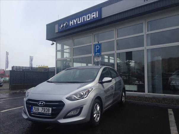 Hyundai i30 1.4 Trikolor Komfort, foto 1 Auto – moto , Automobily | spěcháto.cz - bazar, inzerce zdarma