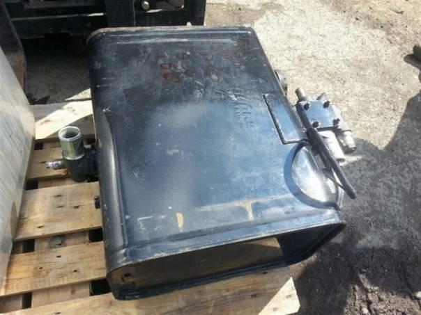 Hydraulická nádrž  65x30x50, foto 1 Náhradní díly a příslušenství, Užitkové a nákladní vozy | spěcháto.cz - bazar, inzerce zdarma