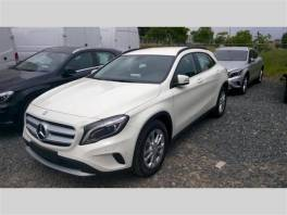 Mercedes-Benz  200 CDI 4MATIC  AUT.