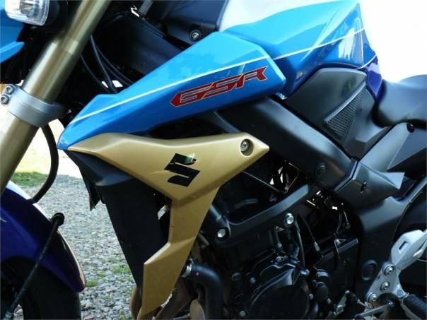 Suzuki GSR 750, foto 1 Auto – moto , Motocykly a čtyřkolky | spěcháto.cz - bazar, inzerce zdarma