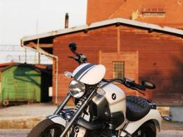 BMW  R1200C Custom Project