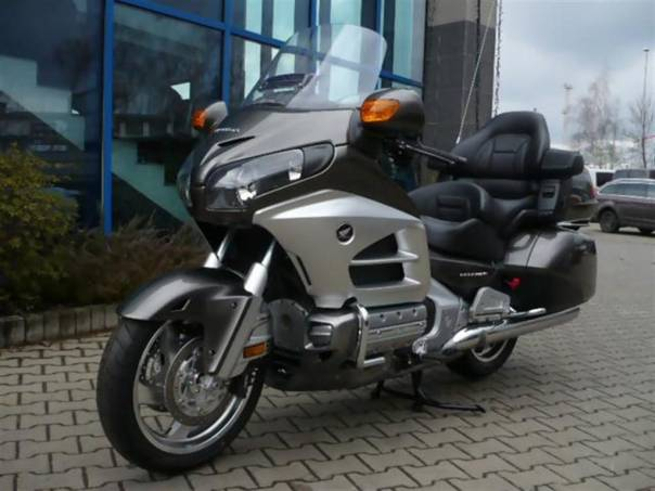 GL 1800 Gold Wing ABS  DE LUXE, foto 1 Auto – moto , Motocykly a čtyřkolky   spěcháto.cz - bazar, inzerce zdarma