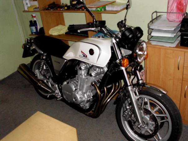 Honda  CB, foto 1 Auto – moto , Motocykly a čtyřkolky | spěcháto.cz - bazar, inzerce zdarma