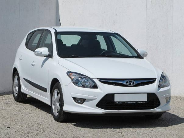Hyundai i30 1.4 CVVT, foto 1 Auto – moto , Automobily | spěcháto.cz - bazar, inzerce zdarma