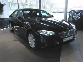 BMW Řada 5 530d xDrive Navi Xen HUD Komfort