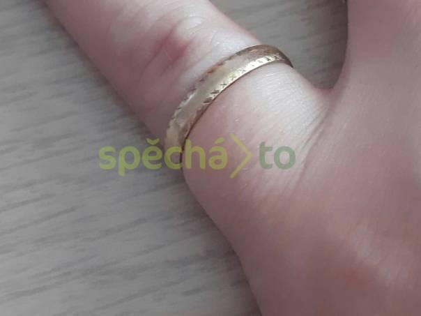 Zlatý prstýnek, foto 1 Modní doplňky, Šperky a bižuterie | spěcháto.cz - bazar, inzerce zdarma