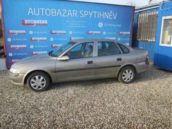 Opel Vectra 1,6 16V 74kW zimní pneu,tažné, foto 1 Auto – moto , Automobily | spěcháto.cz - bazar, inzerce zdarma
