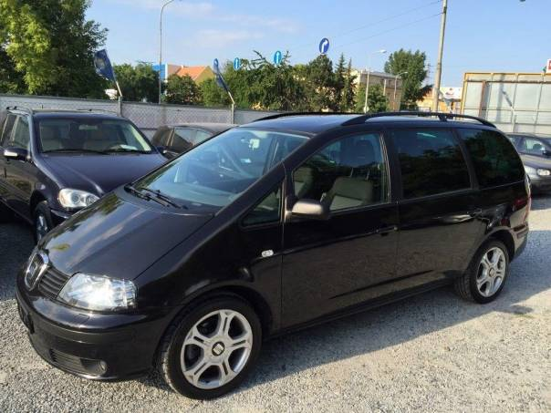 Seat Alhambra 1.9 TDi 96kW Sportline, foto 1 Auto – moto , Automobily | spěcháto.cz - bazar, inzerce zdarma