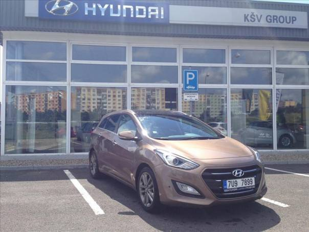 Hyundai i30 1.6 Premium NAVI PANORAMA, foto 1 Auto – moto , Automobily | spěcháto.cz - bazar, inzerce zdarma