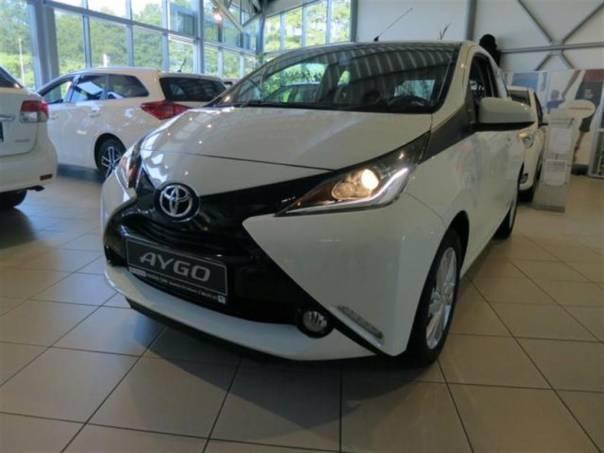 Toyota Aygo X Play + X-look 1,0 VVT-i 5M/T, foto 1 Auto – moto , Automobily | spěcháto.cz - bazar, inzerce zdarma