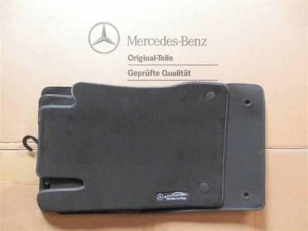 Mercedes-Benz Třída E Sada 4 ks koberečků pro E W211., foto 1 Náhradní díly a příslušenství, Osobní vozy | spěcháto.cz - bazar, inzerce zdarma