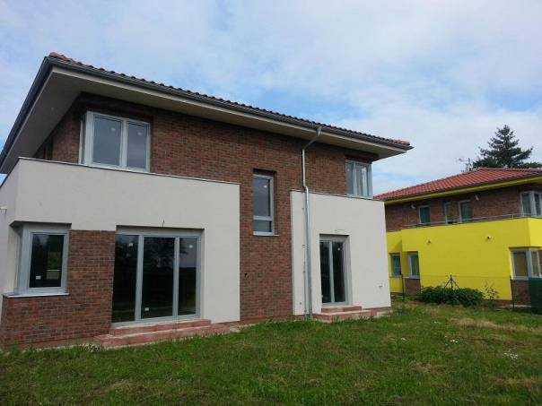 Prodej domu 6+1, Praha - Benice, foto 1 Reality, Domy na prodej | spěcháto.cz - bazar, inzerce