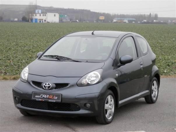 Toyota Aygo 1,0 VVTi 50kW * KLIMA * ALU *, foto 1 Auto – moto , Automobily | spěcháto.cz - bazar, inzerce zdarma