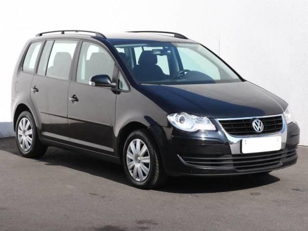 Volkswagen Touran  2.0 TDi, Serv.kniha, DSG, foto 1 Auto – moto , Automobily | spěcháto.cz - bazar, inzerce zdarma