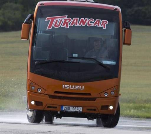Isuzu  coach 26-33 míst, foto 1 Užitkové a nákladní vozy, Autobusy | spěcháto.cz - bazar, inzerce zdarma