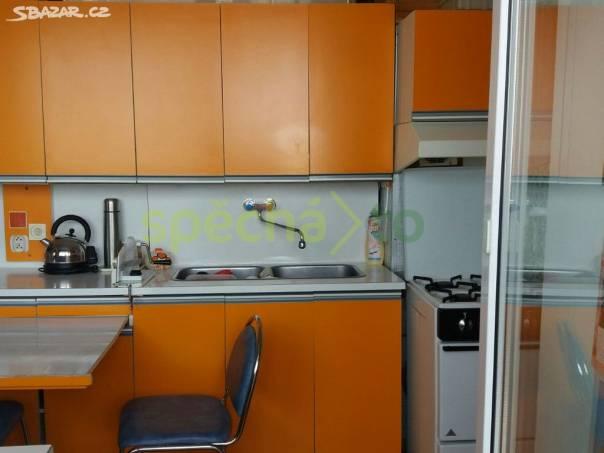 Daruje někdo za odvoz kuchyňskou linku ASTA oranžová barva , foto 1 Bydlení a vybavení, Kuchyně | spěcháto.cz - bazar, inzerce zdarma