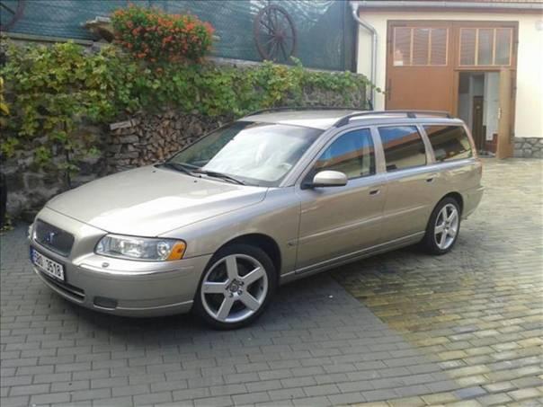 Volvo V70 2.4   D5  SUMMUM TOP STAV, foto 1 Auto – moto , Automobily | spěcháto.cz - bazar, inzerce zdarma