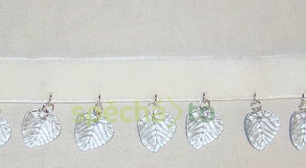 náhrdelník bílá sametka lístky , foto 1 Modní doplňky, Šperky a bižuterie | spěcháto.cz - bazar, inzerce zdarma