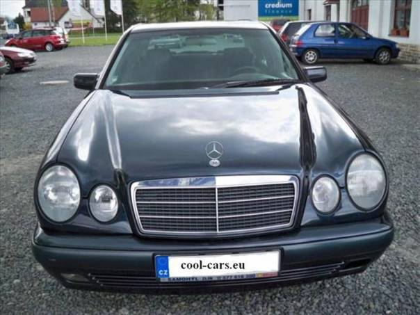 Mercedes-Benz Třída E 2,2 TOP STAV !!!, foto 1 Auto – moto , Automobily | spěcháto.cz - bazar, inzerce zdarma