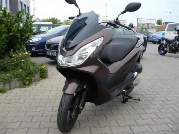 PCX 125  2014 /SKLADEM, foto 1 Auto – moto , Motocykly a čtyřkolky | spěcháto.cz - bazar, inzerce zdarma