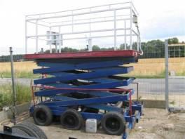 Saxi 8-U pracovní plošina , Pracovní a zemědělské stroje, Vysokozdvižné vozíky  | spěcháto.cz - bazar, inzerce zdarma