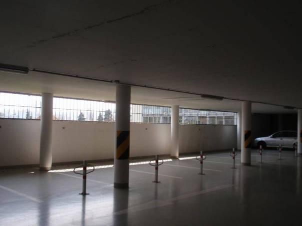 Pronájem garáže, Praha - Dejvice, foto 1 Reality, Parkování, garáže | spěcháto.cz - bazar, inzerce