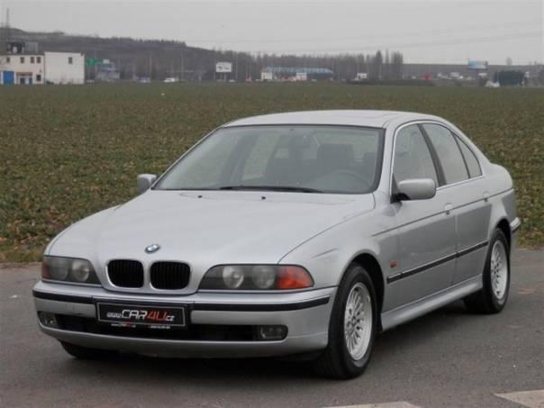 BMW Řada 5 520i 24V 110kW ŠÍBR-ALU-PĚKNÝ, foto 1 Auto – moto , Automobily | spěcháto.cz - bazar, inzerce zdarma