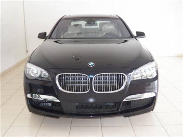 BMW Řada 7 740d xDrive M-paket JAKO NOVÉ, foto 1 Auto – moto , Automobily | spěcháto.cz - bazar, inzerce zdarma