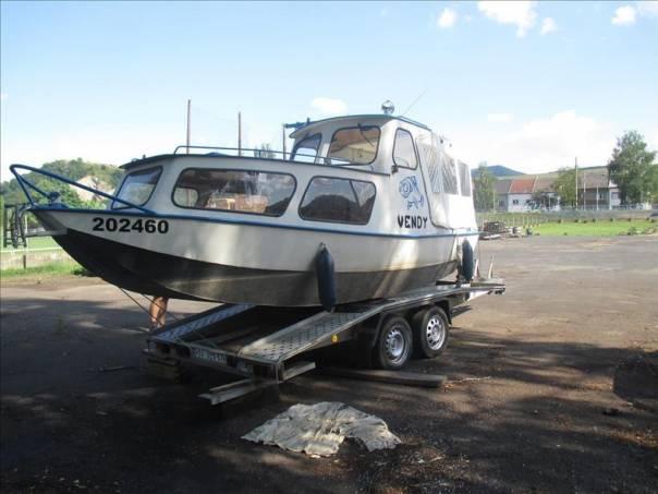 + loď s vlastním pohonem  přívěs pro osobní, foto 1 Užitkové a nákladní vozy, Přívěsy a návěsy | spěcháto.cz - bazar, inzerce zdarma