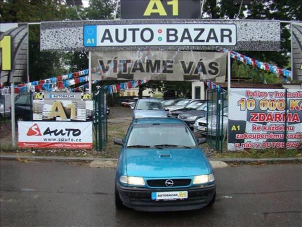 Opel Astra 1,6 i !PĚKNÝ STAV!Al kola!, foto 1 Auto – moto , Automobily | spěcháto.cz - bazar, inzerce zdarma