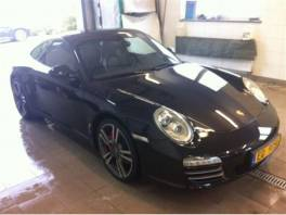 Porsche 911 Carrera 4S 3.8i--388PS--4x4--M